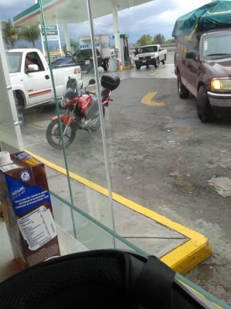 12 La parada Obligada para la gas y el oxxo