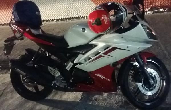 Yamaha R15 2014.