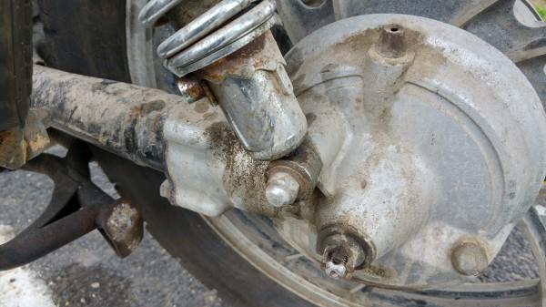No se rompio como en algunas BMW 1200 ADV que se  rompen en menos de 3 años de uso Cof Cof Cof